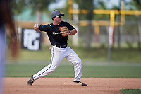 Tyler Fogarty during the WWBA World Championship at the Roger Dean Complex on October 19, 2018 in Jupiter, Florida.  Tyler Fogarty is a second baseman from St. Louis, Missouri who attends Chaminade College Preparatory School and is committed to Notre Dame.  (Mike Janes/Four Seam Images)
