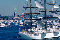 """JP0049 """"Statue Of Liberty & Tall Ships - Statue Of Liberty Bicentennial - New York NY"""