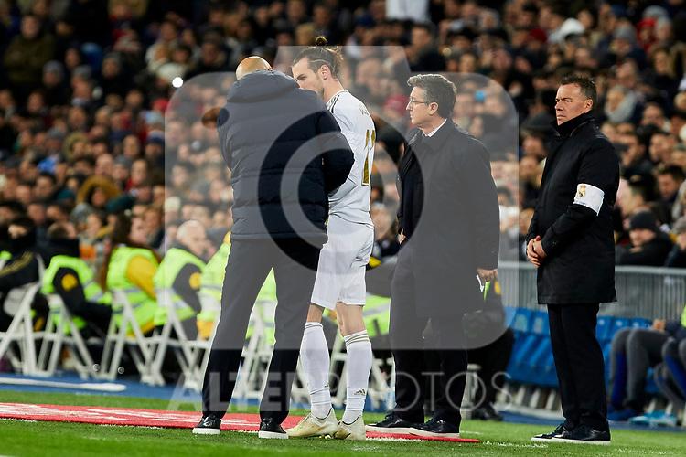 Gareth Bale (R) and Zinedine Zidane coach of Real Madrid during La Liga match between Real Madrid and Real Sociedad at Santiago Bernabeu Stadium in Madrid, Spain. November 23, 2019. (ALTERPHOTOS/A. Perez Meca)