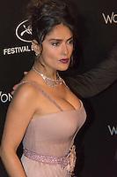 salma hayek photocall kering durant le soixante neuvieme festival du film de cannes place de la castre au suquet le dimanche 15 mai 2016