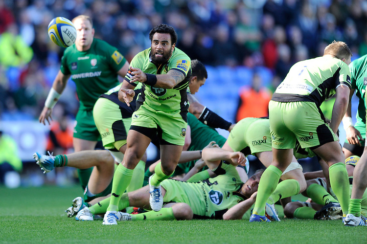 Kahn Fotuali'i of Northampton Saints passes during the Premiership Rugby match between London Irish and Northampton Saints at the Madejski Stadium on Saturday 4th October 2014 (Photo by Rob Munro)