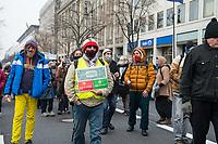 Ca. 70 Menschen protestierten am Mittwoch den 2. Dezember 2020 in Berlin vor Medienhaeusern gegen die ihrer Meinung nach, unausgewogene Berichterstattung ueber die Proteste von Coronaleugnern und forderten, dass sie und als Coronaleugner bekannte Aerzte als Experten in Talkshows eingeladen werden.<br /> In der Bildmitte der rechtsextreme Holocaustleugner Reza Begi.<br /> 2.12.2020, Berlin<br /> Copyright: Christian-Ditsch.de