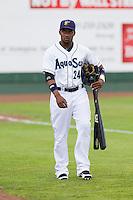 Alfredo Morales #24 of the Everett AquaSox before a game against the Tri-City Dust Devils at Everett Memorial Stadium in Everett, Washington on June 19, 2013.  Everett defeated Tri-City 4-3.  (Ronnie Allen/Four Seam Images)
