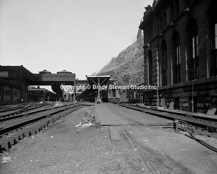 Pittsburgh PA: View of the train platform next to Pittsburgh's Penn Station yard.