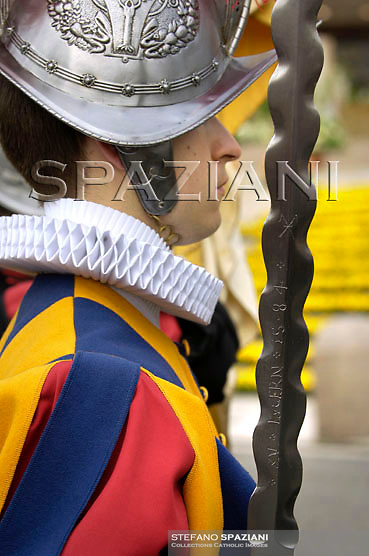 Pontifical Swiss Guard; Pope Benedict XVI at the end of the message 'Urbi et Orbi from the central balcony of the Basilica of St. Peter in the Vatican today, April 8, 2007