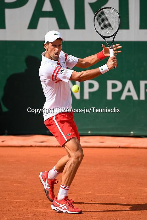 Djokovic Defeats Berrettini