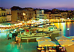 Greece, Crete, Chania: Venetian Harbour Cafes at Dusk | Griechenland, Kreta, Chania: Venezianischer Hafen mit Cafes am Abend