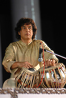 INDIA Karnataka, classical indian music , concert with famous Tabla player Ustad Zakir Hussain / INDIEN Karnataka, klassische indische Musik , Konzert mit Tabla Spieler Ustad Zakir Hussain