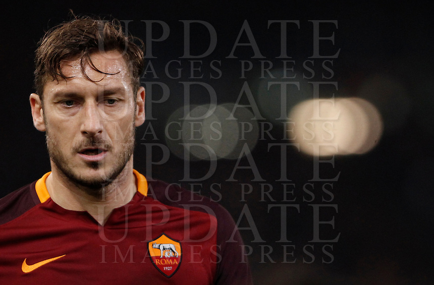 Calcio, Serie A: Roma vs Milan. Roma, stadio Olimpico, 9 gennaio 2016.<br /> Roma's Francesco Totti during the Italian Serie A football match between Roma and Milan at Rome's Olympic stadium, 9 January 2016.<br /> UPDATE IMAGES PRESS/Isabella Bonotto