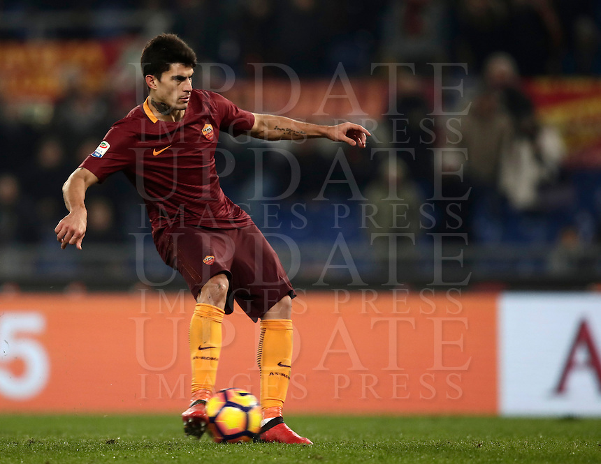 Calcio, Serie A: Roma vs ChievoVerona. Roma, stadio Olimpico, 22 settembre 2016.<br /> Roma's Diego Perotti kicks to score on a penalty during the Italian Serie A football match between Roma and Chievo Verona, at Rome's Olympic stadium, 22 December 2016.<br /> UPDATE IMAGES PRESS/Isabella Bonotto