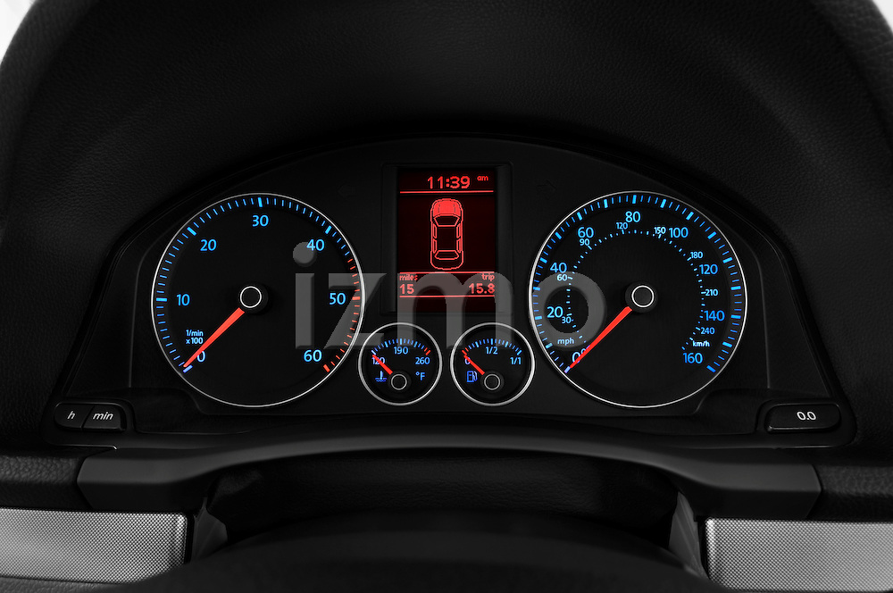 Instrument panel close up detail view of a 2009 Volkswagen Jetta TDI