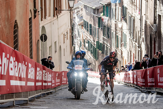 Egan Bernal (COL/Ineos Grenadiers) up the final steep climb in Siena<br /> <br /> 15th Strade Bianche 2021<br /> ME (1.UWT)<br /> 1 day race from Siena to Siena (ITA/184km)<br /> <br /> ©kramon