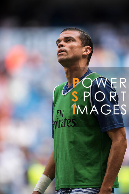 Pepe of Real Madrid in training prior to the La Liga match between Real Madrid CF and SD Eibar at the Santiago Bernabéu Stadium on 02 October 2016 in Madrid, Spain. Photo by Diego Gonzalez Souto / Power Sport Images