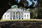 Mansion of an old plantation in the Carolinas.