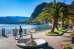 Italy, Lombardia, Menaggio: popular resort on the West Banks of Lake Como - lakeside promenade | Italien, Lombardei, Menaggio: beliebter Urlaubsort an der Westkueste des Comer Sees, von hier besteht eine Faehrverbindung nach Bellagio und Varenna - Seepromenade