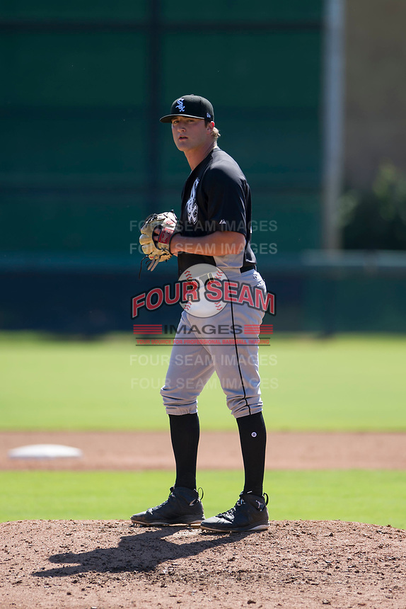 Chicago White Sox pitcher Will Kincanon (54) prepares to deliver a pitch to the plate during an Instructional League game against the Los Angeles Dodgers on September 30, 2017 at Camelback Ranch in Glendale, Arizona. (Zachary Lucy/Four Seam Images)