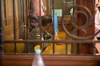 Prozess vor dem Amtsgericht Berlin gegen einen 19jaehrigen aus Syrien stammenden Palaestinenser, der am 17. April 2018 in Berlin zwei einen Israeli und einen Deutsch-Marokkaner antisemitisch beschimpft und mit seinem Guertel geschlagen haben soll. Der Deutsch-Marokkaner und sein israelischer Freund hatten im Stadtteil Prenzlauer Berg eine Kippa gerragen, als sie von dem 19jaehrigen Angeklagten zuerst beschimpft und dann geschlagen wurden.<br /> Im Bild: Der Angeklagte auf der Anklagebank.<br /> 19.6.2018, Berlin<br /> Copyright: Christian-Ditsch.de<br /> [Inhaltsveraendernde Manipulation des Fotos nur nach ausdruecklicher Genehmigung des Fotografen. Vereinbarungen ueber Abtretung von Persoenlichkeitsrechten/Model Release der abgebildeten Person/Personen liegen nicht vor. NO MODEL RELEASE! Nur fuer Redaktionelle Zwecke. Don't publish without copyright Christian-Ditsch.de, Veroeffentlichung nur mit Fotografennennung, sowie gegen Honorar, MwSt. und Beleg. Konto: I N G - D i B a, IBAN DE58500105175400192269, BIC INGDDEFFXXX, Kontakt: post@christian-ditsch.de<br /> Bei der Bearbeitung der Dateiinformationen darf die Urheberkennzeichnung in den EXIF- und  IPTC-Daten nicht entfernt werden, diese sind in digitalen Medien nach §95c UrhG rechtlich geschuetzt. Der Urhebervermerk wird gemaess §13 UrhG verlangt.]