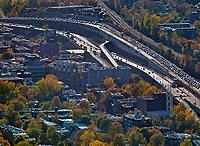 aerial photograph of traffic in the Montreal metropolitan area, Quebec, Canada | photographie aérienne du trafic dans la région métropolitaine de Montréal, Québec, Canada