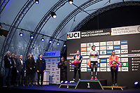 Podium:<br /> <br /> 1st place: Sanne Cant (BEL/Iko-Corendon)<br /> 2nd place:  Katie Compton (USA/KFC Racing p/b Trek/Panache)<br /> 3th place: Lucinda Brand (NED/Team Sunweb)<br /> <br /> Women Elite Race<br /> UCI CX Worlds 2018<br /> Valkenburg - The Netherlands