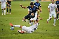 SAN JOSE, CA - OCTOBER 03: Cristian Espinoza #10 of the San Jose Earthquakes during a game between Los Angeles Galaxy and San Jose Earthquakes at Earthquakes Stadium on October 03, 2020 in San Jose, California.