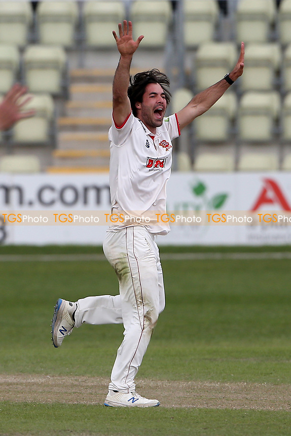Shane Snater of Essex appeals for a wicket during Worcestershire CCC vs Essex CCC, LV Insurance County Championship Group 1 Cricket at New Road on 2nd May 2021