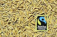 INDIEN Transfair Label, Fairtrade und Bio Basmati Reis Projekt Khaddar Farmer bei Dehradun / INDIA, Transfair Label, fair trade and organic Basmati rice project of Khaddar Farmers near Dehradun , unpeeled rice grain with label