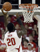 2 December 2006: Ohio State's Greg Oden shoots with his left hand during the game against Valparaiso at Value City Arena in Columbus, Ohio. Oden was the nation's top high school player for the past two years and made his college debut tonight after sitting out with a wrist injury.<br />