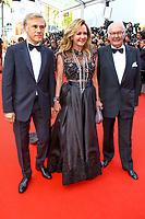 Christoph Waltz et Caroline Scheufele (C) sur le tapis rouge pour la soirée dans le cadre de la journée anniversaire de la 70e édition du Festival du Film à Cannes, Palais des Festivals et des Congres, Cannes, Sud de la France, mardi 23 mai 2017.