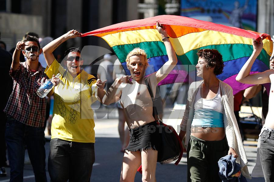 SAO PAULO, SP, 04.05.2014 - Acontece neste domingo (04) a 18º Parada do Orgulho LGBT, na Avenida Paulista em São Paulo. (Foto: Amauri Nehn / Brazil Proto Press).