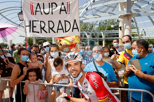 Jesus Herrada (ESP) Cofidis with family and fans at sign on before Stage 5 of La Vuelta d'Espana 2021, running 184.4km from Tarancón to Albacete, Spain. 18th August 2021.    <br /> Picture: Luis Angel Gomez/Photogomezsport | Cyclefile<br /> <br /> All photos usage must carry mandatory copyright credit (© Cyclefile | Luis Angel Gomez/Photogomezsport)