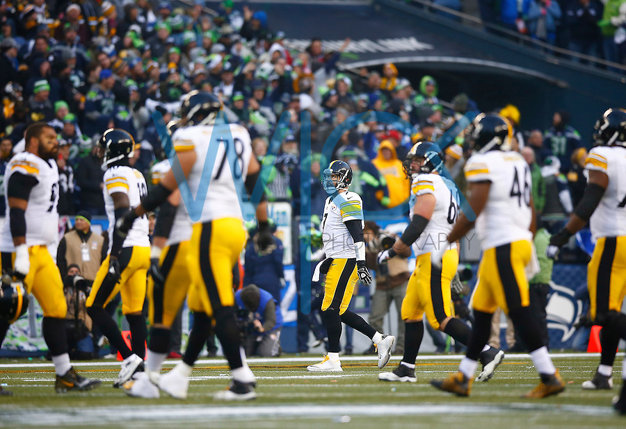 Ben Roethlisberger #7 of the Pittsburgh Steelers walks off of the field after throwing an interception to Richard Sherman #25 of the Seattle Seahawks in the second half during the game at CenturyLink Field on November 29, 2015 in Seattle, Washington. (Photo by Jared Wickerham/DKPittsburghSports)