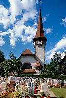 Schweiz, Dorfkirche und Friedhof in Spiez am Thuner See im Berner Oberland