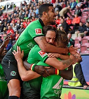 21.10.2017,  Football 1.Liga 2017/2018, 9. match day, FC Augsburg - Hannover 96, in WWK-Arena Augsburg.    dem 1:2.  Jonathas (Hannover 96), Martin Harnik (Hannover 96) and Niclas Fuellkrug (Hannover 96)  *** Local Caption *** © pixathlon<br /> <br /> +++ NED + SUI out !!! +++<br /> Contact: +49-40-22 63 02 60 , info@pixathlon.de