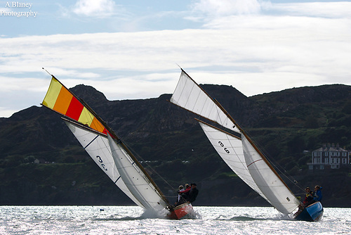 Howth 17's Leila and Anita in the race round Lambay