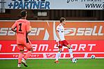 28.09.2020, Benteler-Arena, Paderborn, GER, 2. FBL SC Paderborn 07 vs. Hamburger SV<br />  <br />im Bild<br />Moritz Heyer (Hamburger SV, 3) am Ball.<br /><br />DFL regulations prohibit any use of photographs as image sequences and/or quasi-video. <br /><br />Foto © nordphoto / Paetzel