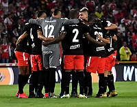 BOGOTA-COLOMBIA, 21-02-2020: Jugadores de America de Cali, antes de partido de la fecha 6 entre Independiente Santa Fe y America de Cali, por la Liga BetPLay DIMAYOR I 2020, en el estadio Nemesio Camacho El Campin de la ciudad de Bogota. / Players of America de Cali, prior a match of the 19th date between Independiente Santa Fe and America de Cali, for the Aguila Leguaje I 2019 at the Nemesio Camacho El Campin Stadium in Bogota city. / Photo: VizzorImage / Luis Ramirez / Staff.
