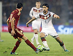 Spain's Bruno (l) and Germany's Khedira during international friendly match.November 18,2014. (ALTERPHOTOS/Acero)