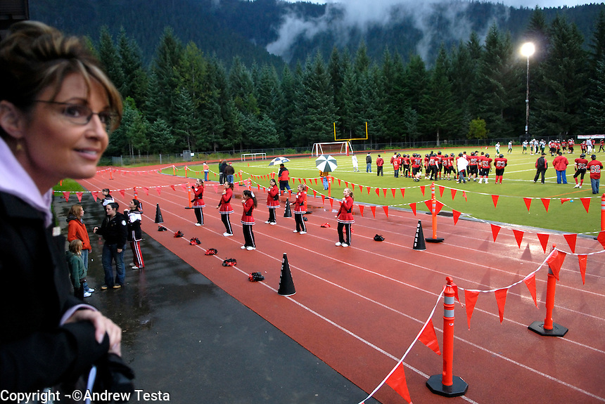 USA. Juneau.13th September 2007.Governor Palin at a football game in Juneau..©Andrew Testa/Panos