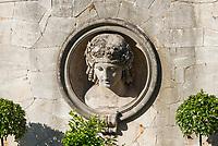 Kopfskulptur des Bacchus, historischer Winzerberg, Potsdam, Brandenburg, Deutschland