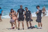Rio de Janeiro. 27.06.2020 FLEXIBILIZAÇÃO Movimentação na praia do Leme , zona sul , em época de  flexibilização do isolamento social neste sábado (27).