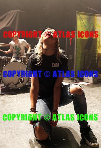 Tonight Alive, live, 2014 ,Ken Settle/atlasicons.com