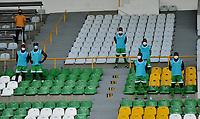 ARMENIA - COLOMBIA, 06-12-2020: Deportes Quindio y Llaneros F. C., durante partido de los Cuadrangulares Semifinales del Torneo BetPlay DIMAYOR 2020 en el estadio Centenario de la ciudad de Armenia. / Deportes Quindio y Llaneros F. C., during of the Semifinals Quadrangular match for the BetPlay DIMAYOR 2020 Tournament at the Centenario stadium in Armenia city. / Photo: VizzorImage / Ricardo Vejarano / Cont.