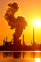 Canada, Ontario, Hamilton. Steel mill emitting smoke pollution<br />