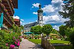 Deutschland, Bayern, Chiemgau, Reit im Winkl: Ortskern mit Kirche St. Pankratius | Germany, Upper Bavaria, Chiemgau, Reit im Winkl: village centre with church St Pankratius