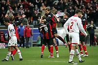 Michael Thurk, Michael Fink und Marco Russ (alle Eintracht Frankfurt) freuen sich ¸ber das 2:0 +++ Eintracht Frankfurt vs. Hannover 96, 03.03.2007, Commerzbak Arena Frankfurt +++ Marc Schueler, Am Wolfsberg 11, 64569 Nauheim, 0151/11654988 +++ Bild ist honorarpflichtig. Marc Schueler, Kreissparkasse Grofl-Gerau, BLZ: 50852553, Kto.: 8047714
