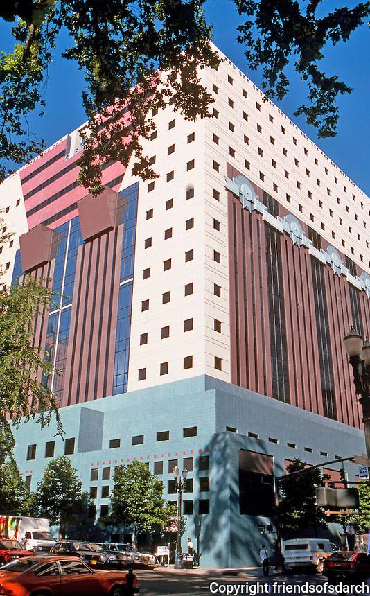 Michael Graves: Portland Building, Portland. Photo '86.