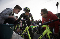 Sven Nys (BEL/Crelan-AAdrinks) discusses tire pressure choices with team-manager Jan Verstraeten while (son) Tibau Nys joins in<br /> <br /> GP Sven Nys 2016