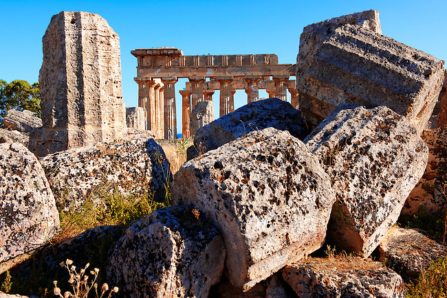 Doric column drums - Greek Dorik Temple ruins of Temple F at Selinunte, Sicily Greek Dorik Temple columns of the ruins of the Temple of Hera, Temple E, Selinunte, Sicily