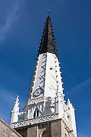 Europe/France/Poitou-Charentes/17/Charente-Maritime/Ile de Ré/Ars-en-Ré: Église Saint-Étienne - Son clocher peint en noir et blanc, sert d'amer pour les marins<br /> Plus beaux Villages de France