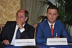 GIANNI MINOLI CON ANTONELLO PIROSO<br /> PREMIO GUIDO CARLI - TERZA  EDIZIONE<br /> PALAZZO DI MONTECITORIO - SALA DELLA LUPA<br /> CON RICEVIMENTO  HOTEL MAJESTIC   ROMA 2012